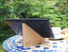 Meet SUstand: A Recycled Cardboard Stand for Any Tablet or Smartphone