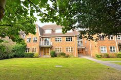 Property For Sale, London, Mansions, House Styles, Bed, Home Decor, Decoration Home, Manor Houses