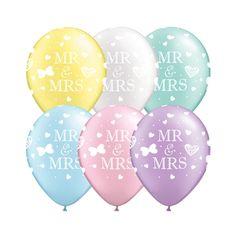 Luftballons in Pastell für eine schöne Hochzeitsdeko im Sommer.