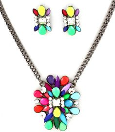 Colorful statement necklace!