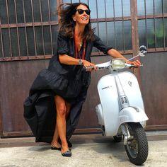 """Viviana Volpicella (@vivianavolpicella) på Instagram: """"All made in Italy. @vivianavolpicella @renecaovilla @lajoliefillerobe @vespa_official"""