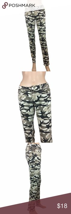 Almost Famous camo stretchy skinny jeans Almost Famous. Camo stretchy skinny jeans. these are not a jegging material - they are a stretchier denim material. button and zip fly. size 5/6. worn maybe once or twice. mannequin is 5'8. Almost Famous Jeans Skinny