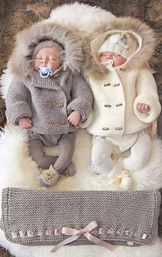 How stylish are these winter coats for twins? #twincoats #stylishtwins #twins