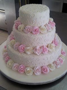 Ideas Cupcakes Decoration Engagement Simple For 2019 Elegant Wedding Cakes, Elegant Cakes, Beautiful Wedding Cakes, Wedding Cake Designs, Beautiful Cakes, Cake Decorating Techniques, Cake Decorating Tips, Wedding Cakes With Cupcakes, Cupcake Cakes