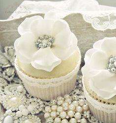 Blanco y oro Cupcakes