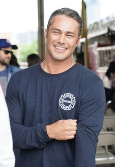 Handsome Men Quotes, Handsome Arab Men, Taylor Kinney Chicago Fire, Bae, Men Quotes Funny, Chicago Pd, Chicago Movie, Woman Sketch, Ex Husbands