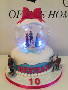 Frozen snow globe cake my babies stuff Pinterest Globe cake