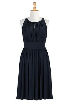 Just bought this dress from eshakti using a $40.00 coupon that they sent me. Loyalty is excellent in this company, their clothes are made well, and the DRESSES HAVE POCKETS.