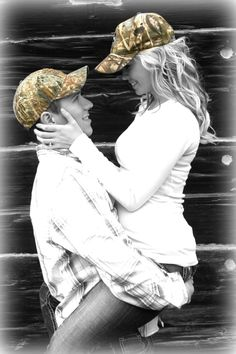 Hunting engagement pictures, wedding engagement, camo hats, cowboy hats, co