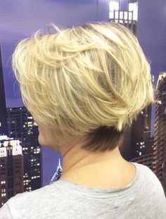 buttery blonde mid-length hair blonde is a popular color choice for ol Mature Women Hairstyles, Short Hairstyles For Thick Hair, Medium Bob Hairstyles, Hairstyles Over 50, Different Hairstyles, Short Hair Cuts, Hairstyles 2018, Pixie Haircuts, Wedding Hairstyles