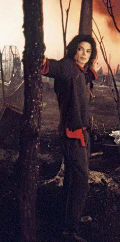 Earth Song. The King -- sweet and beautiful, Royalty.