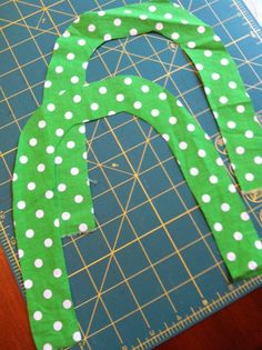 Hello everyone! I found this cute green polka dot material at the thrift store a · Pillowcase Romper TutorialThrift StoresPillowcasesPolka ... & Sumo\u0027s Sweet Stuff: .:Tutorial Tuesday - Pattern Re-Mix:. | Dress ... pillowsntoast.com