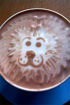 LION COFFEE ART: Can you believe this is steamed milk poured over espresso and then the barista 'draws' on the top layer of foam! [per previous pinner] Lion Coffee, Coffee Latte Art, I Love Coffee, Coffee Break, My Coffee, Starbucks Coffee, Morning Coffee, Coffee Shop, Café Latte