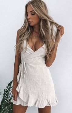 Shop party dresses, formal dresses and birthday dresses with free express shipping to the US & Afterpay available. Get the latest dresses online from summer dresses to casual dresses. Shop your next dress from the best place to buy dresses online. Ootd, Summer Outfits, Cute Outfits, Girl Outfits, Stylish Outfits, Beautiful Outfits, Cute White Dress, White Casual Dresses, White Frock