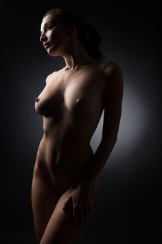Artistic nudist pic
