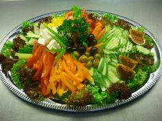 obložené mísy zeleninové - Hledat Googlem Beef, Ethnic Recipes, Food, Meal, Essen, Hoods, Ox, Meals, Eten