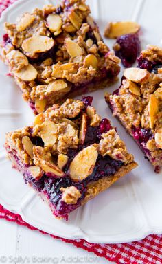 These Mixed Berry Streusel Bars are made with healthy, wholesome ingredients. And they actually taste good too! Gluten free recipe at sallysbakingaddiction.com