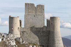 Castel Arquato e Torrechiara. Tratto dal Film 'Lady Hawke'. Il paese, con la sua splendida piazza in particolare,e il Castello di Castell'Arquato, divenne un grande set a cielo aperto per un racconto ambientato nel medioevo francese