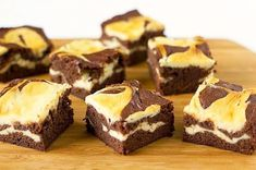 Cream Cheese Brownies Cheesecake Brownies recipe brownies with cream cheese. recipe brownies with cream cheese Cream Cheese Brownies! Köstliche Desserts, Delicious Desserts, Dessert Recipes, Yummy Food, Cream Cheese Brownies, Chocolate Cream Cheese, Best Brownie Recipe, Brownie Recipes, Beste Brownies