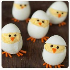 Skip the plain old deviled eggs for these adorable hatching chicks. They're sure to be the hit of your Easter brunch Skip the plain old deviled eggs for these adorable hatching chicks. They're sure to be the hit of your Easter brunch Easter Lunch, Easter Eggs, Easter Food, Easter Recipes, Holiday Recipes, Brunch Recipes, Egg Recipes, Holiday Foods, Pizza Recipes