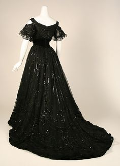 Dress House of Worth (French, 1858–1956) Date: 1906–8 Culture: French Medium: silk Dimensions: Length (a): 15 in. (38.1 cm) Length (b): 56 in. (142.2 cm) Credit Line: Gift of Susan Dwight Bliss, 1937 Accession Number: 37.144.4a–c