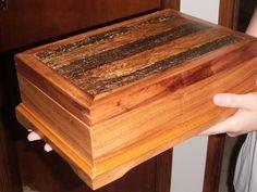 Caixa de bijuteria em madeira demolição