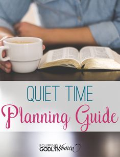 What if you could change your quiet time habits for good? AND in less than 5 minutes! This super simple quiet time planning guide was designed to help you stay focused and hold yourself accountable! #Christianwomen #bible #biblereading #quiettime