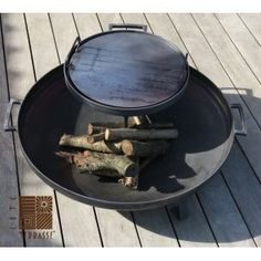 barbecue - plancha - fire-bowl - vuurschaal by COTE TERRASSE ET JARDIN. Barbecue Grill, Grilling, Outdoor Fire, Outdoor Decor, Fire Pit Grill, Bread Oven, Patio, Food Prep, Pizza