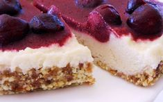 For a tangy and refreshing dessert that is easy to make, try out this lemon cherry cheesecake! In this recipe, almonds, lemon juice, cherries, agave, and vanilla are blended together to make a sweet and slightly tart filling.
