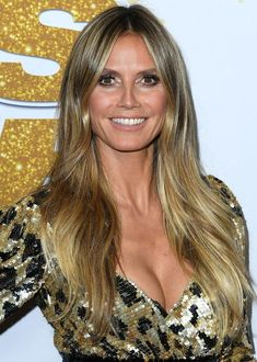 With naturally beautiful, long mane shone Heidi Klum at the CFDA Awards in New York. Heidi Klum Hair, Celebrity Casual Outfits, Jennifer Grey, German Women, Clip In Extensions, Angelina Jolie, Girls Dream, Jamie Dornan, Tom Hiddleston