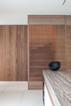 #schöne #Textur in der #Küche #Holz #Holzideen #Kücheninspiration DT House - Dieter #VanderVelpen #Architects