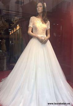 (20) Twitter Twitter, Wedding Dresses, Fashion, Bride Dresses, Moda, Bridal Gowns, Fashion Styles, Wedding Dressses