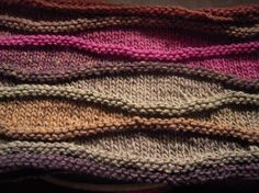 link to pattern on ravelry; pattern is much prettier w/ this variegated yarn. Knitting Stitches, Knitting Patterns Free, Knitting Yarn, Knit Patterns, Free Knitting, Stitch Patterns, Free Pattern, Knit Or Crochet, Crochet Scarves