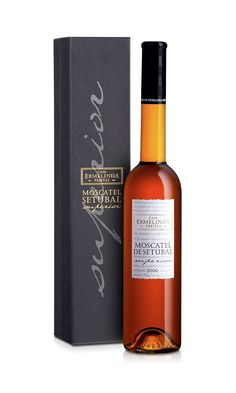 This Moscatel Superior 2000 from Casa Ermelinda de Freitas Scored 95 Points in the Wine Advocate, a Year Ago. Just One Point Shy from the Best Score Ever Obtained by a Portuguese Wine (96 points) in Robert Parker's evaluations. By the way 95 points Stands for Outstanding.