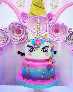 Y qué mejor manera de cerrar esta semana que con o - Decoración de Estilo Rústico Unicorn Themed Birthday, Birthday Cake, Bolo Laura, Bolo Neon, Unicorn Foods, Unicorn Cakes, Fig Cake, Cupcake Cakes, Cupcakes