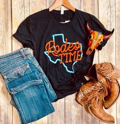 Women Fashion New Fashion Western Chic, Western Wear, Country Western Fashion, Country Style Outfits, Southern Outfits, Summer Outfits, Casual Outfits, Cute Outfits, Fashion Outfits