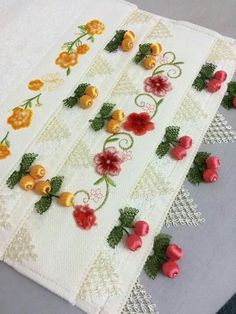 This Pin was discovered by ayş Lace Embroidery, Instagram Accounts, Needlework, Statistics, How To Make, Easy, Embroidery, Dressmaking, Sewing