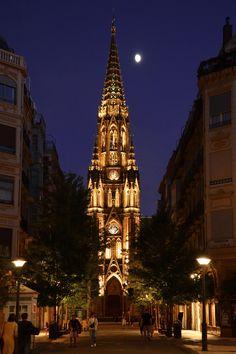 Catedral del Buen Pastor. Good Shepherd Cathedral. Cathédrale du Bon Pasteur. #donostia #sansebastian #basquecountry #paysbasque www.basquebirak.com