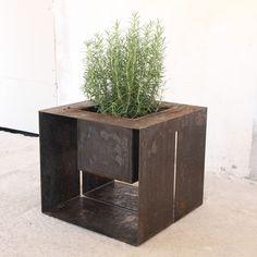 fioriera FRAME design Enrico Maria Pastorello