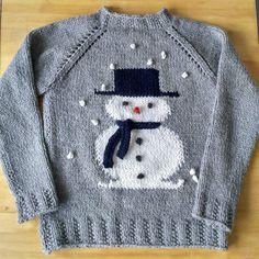 Baby Boy Knitting Patterns, Baby Sweater Patterns, Baby Cardigan Knitting Pattern, Knitting For Kids, Knitting Designs, Free Knitting, Costume Marin, Pull Bebe, Crochet Slippers