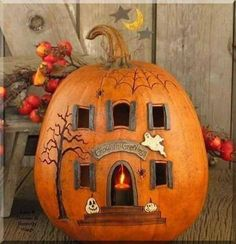 Pumpkin House Halloween Magic, Outdoor Halloween, Spirit Halloween, Halloween Diy, Halloween 2018, Halloween Pumkin Ideas, Halloween School Treats, Halloween Makeup, Halloween Decorations