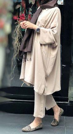 Dress Hijab Casual Beautiful Ideas For 2019 Casual Hijab Outfit, Casual Outfits, Fashion Outfits, Fashion Dresses, Winter Outfits, Fashion Tips, Iranian Women Fashion, Muslim Fashion, Mode Abaya