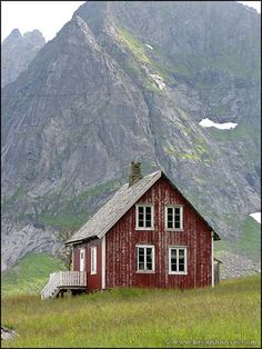 would love to retire and live somewhere like this up in the mountains....
