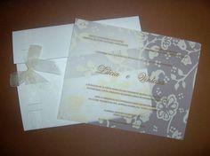 Lindo convite de casamento! Pode ser impresso em Papel Vegetal com envelope em papel Color Plus branco ou impresso em papel Aspen e envelope em papel vegetal de qualquer forma com lindo acabamento com laço em fita de cetim.  SUPER PROMOÇÃO: NOS PEDIDOS ACIMA DE 100 CONVITES VOCÊ E SEU NOIVO GANHAM 10 CARDÁPIOS PERSONALIZADO.   Tempo estimado para envio: 20 Dias após confirmação de pagamento e envio dos dados. R$ 6,15