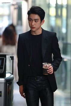 Got7 - I'm so sorry, Jinyoung! I don't like to pin pics of idols off the clock, but he is always so f'ing stunning..  he looks so incredible I just .. can't not.. It's not even just how good he looks, but the presence he projects..