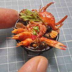 "439 Likes, 10 Comments - bak ssang (@miniaturefood_baksang) on Instagram: ""푸짐한 해물탕 한냄비 오래전부터 만들어보고 싶었던 주제였는데 이제야 완성~  #미니어쳐 #미니어쳐음식 #miniature #miniaturefood…"""