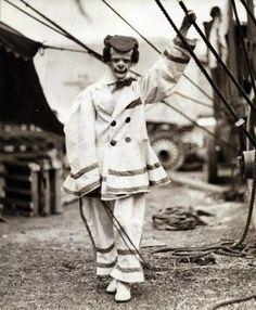 Fotos antiguas: extrañas y aterradoras » The Clinic Online