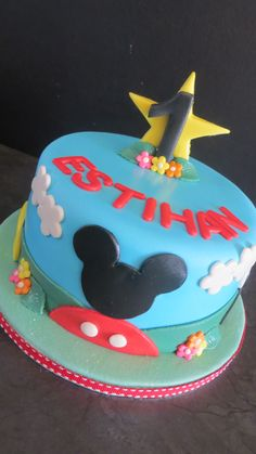 Mickey Mouse Cake Mickey Mouse Cake, Cakes For Men, Birthday Cake, Boys, Desserts, Crafts, Baby Boys, Tailgate Desserts, Birthday Cakes