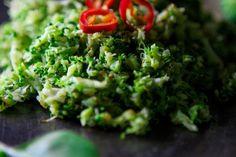 Torkkuja & Nokkosia: Broccoli-riisi eli kuinka parsakaali silputaan //broccoli rice