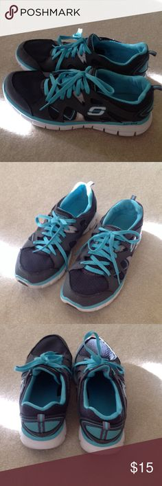 Women Skechers Sport/Flex Sole size 8.5 Great used condition Skechers size 8.5. No holes or damage, newly washed. Skechers Shoes Athletic Shoes